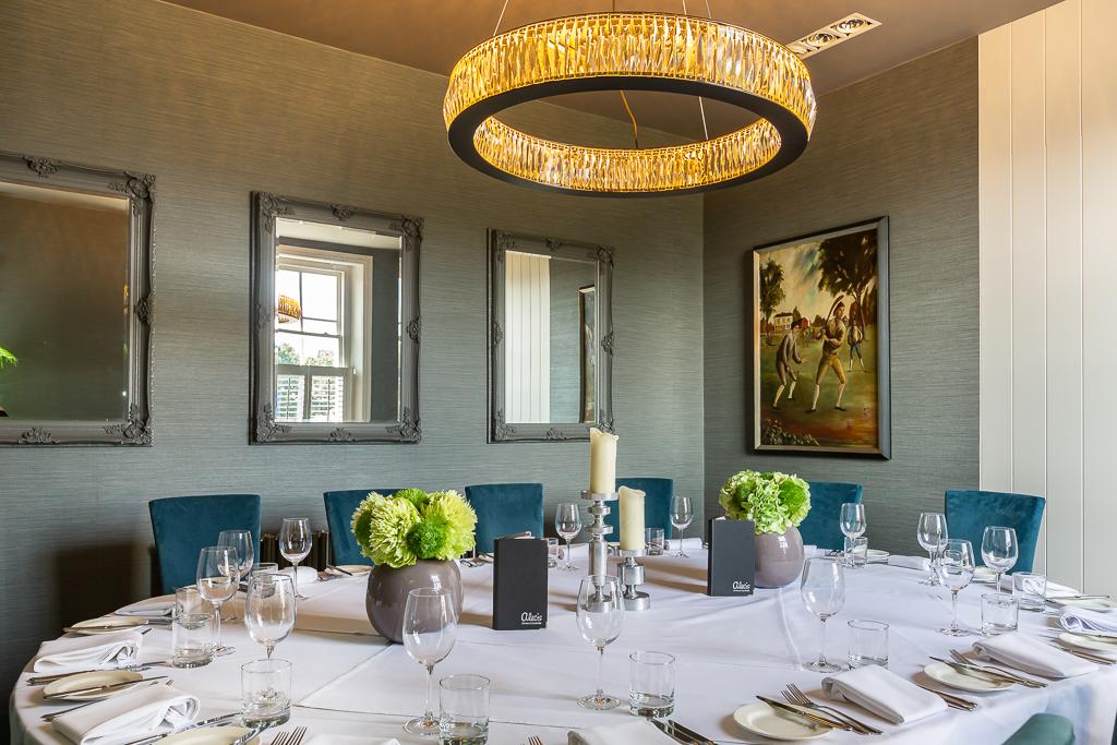 Alecs-Restaurant-12