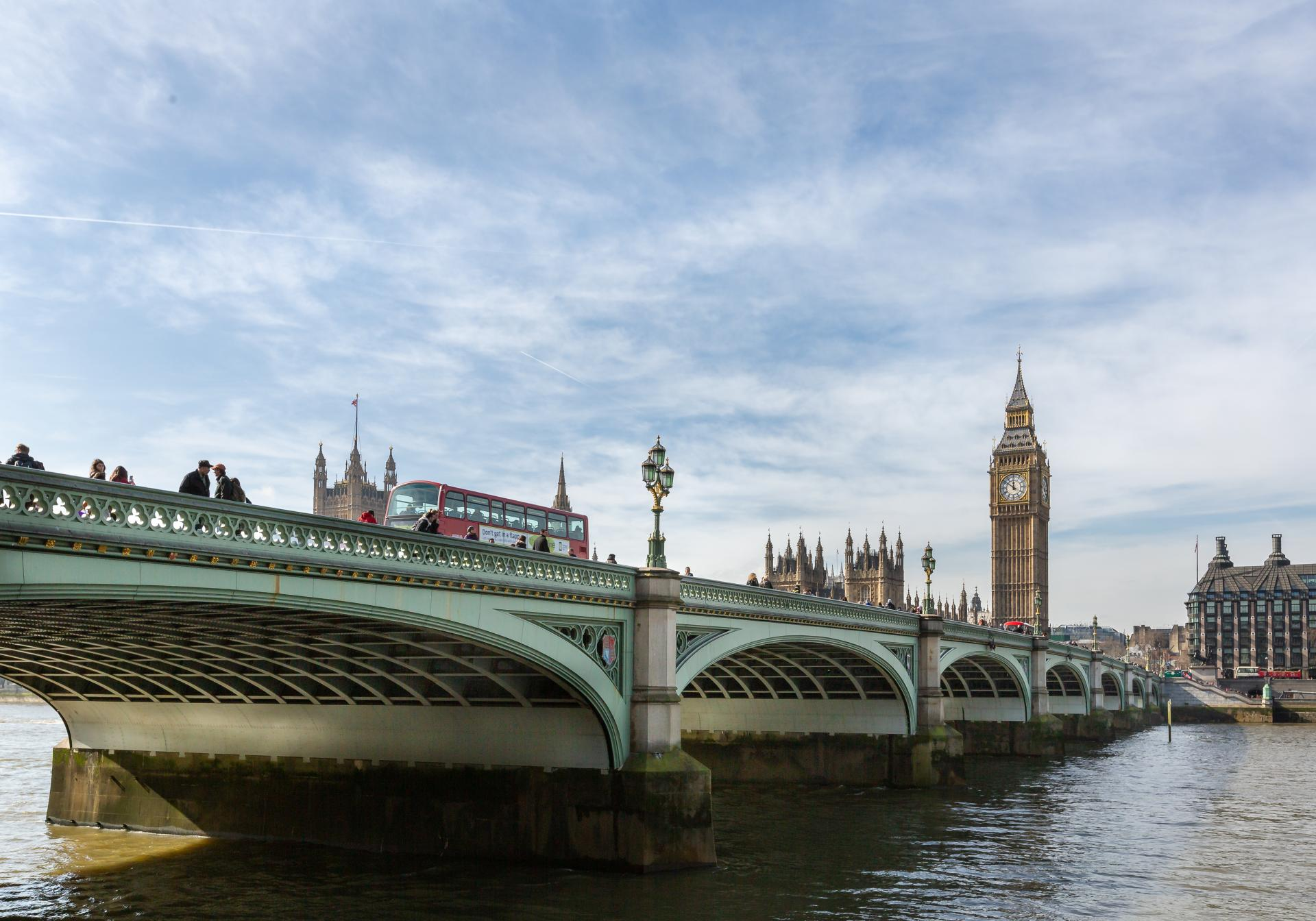 Westminster Bridge and Big Ben from the south bank, Liane Ryan Interior/Architectural Photographer